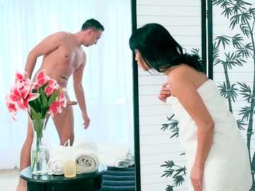 Asian slut Ayumu Kase meets Keiran Lee in massage salon and fucks his cock